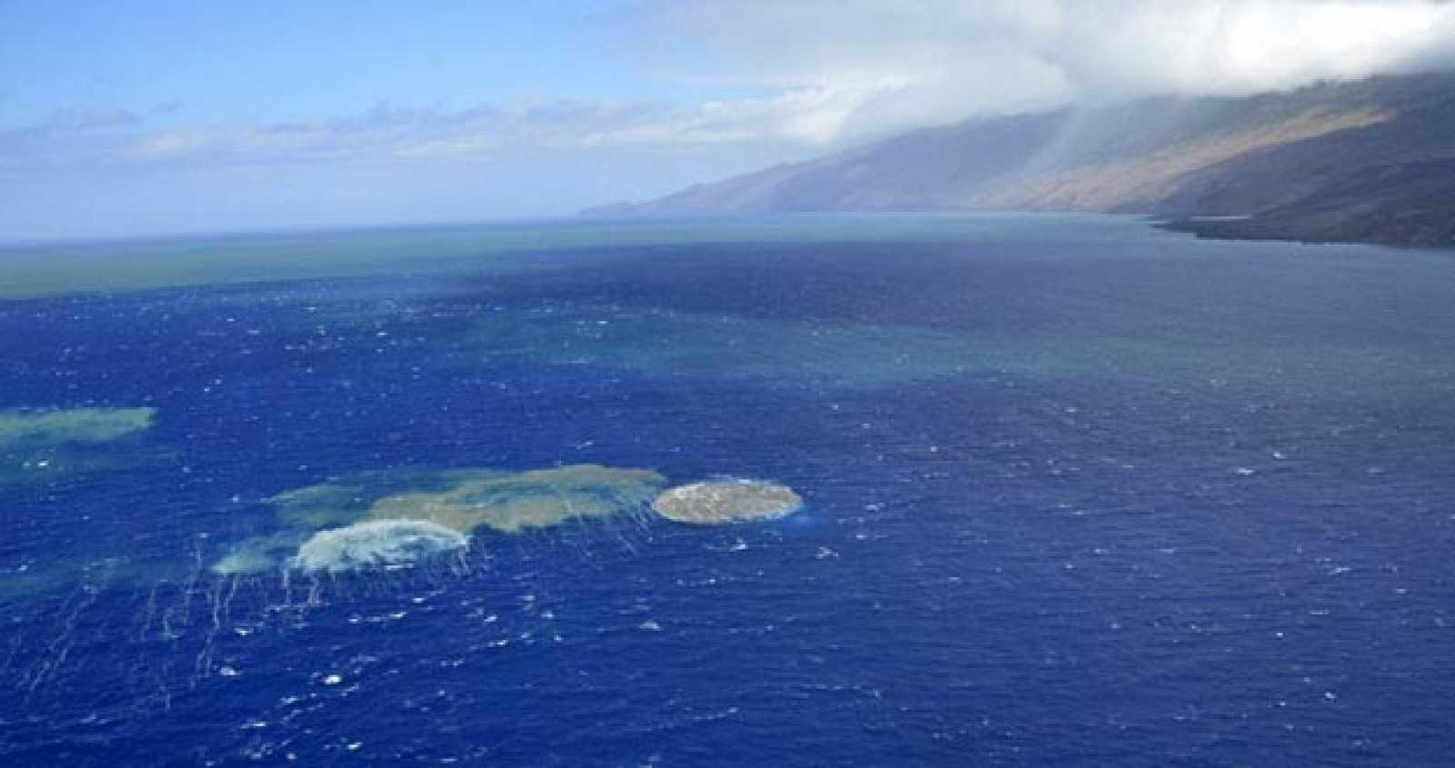 Imagen de la erupción del volcán submarino de El Hierro.