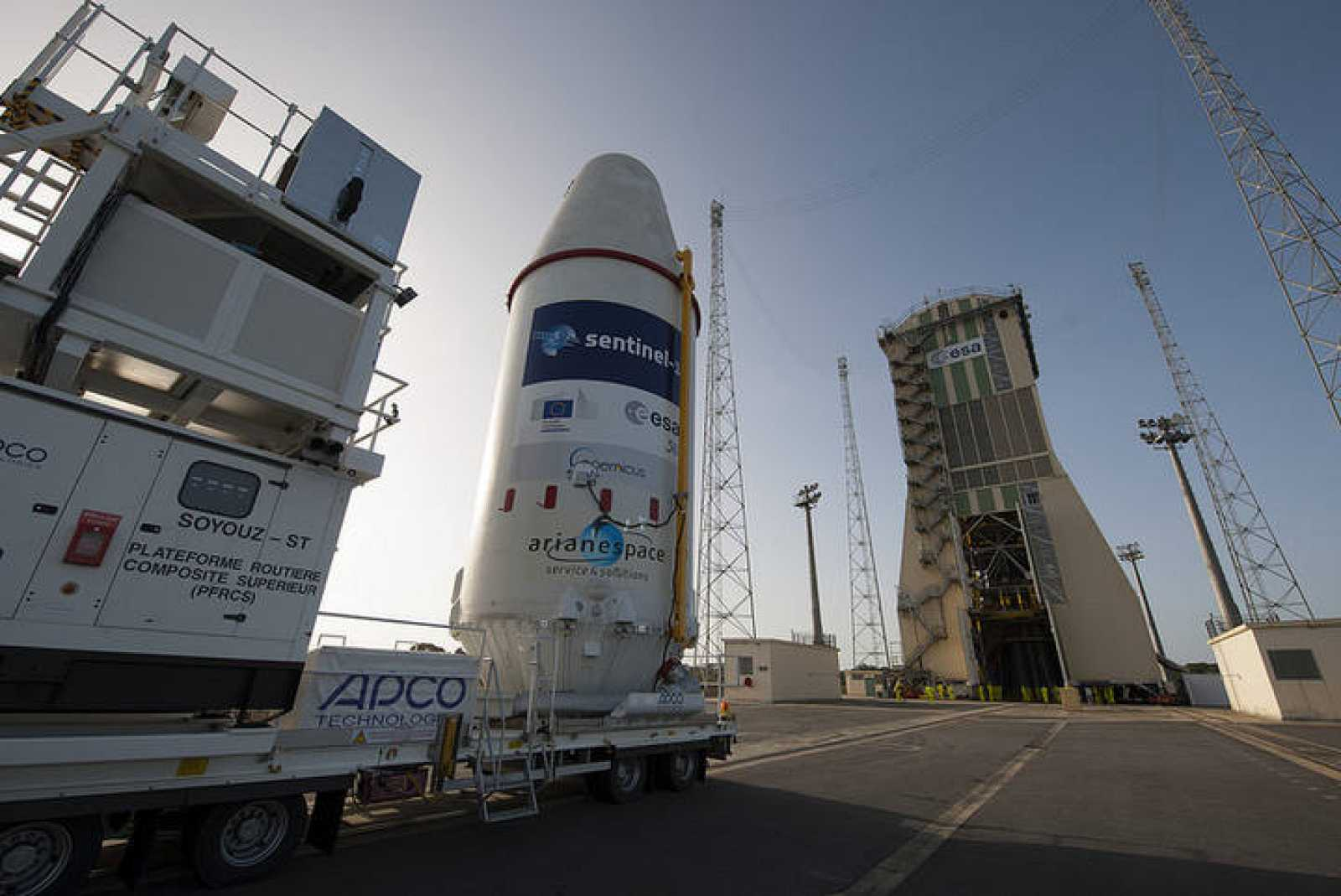 Traslado del primer satélite Sentinel a la plataforma de lanzamiento.