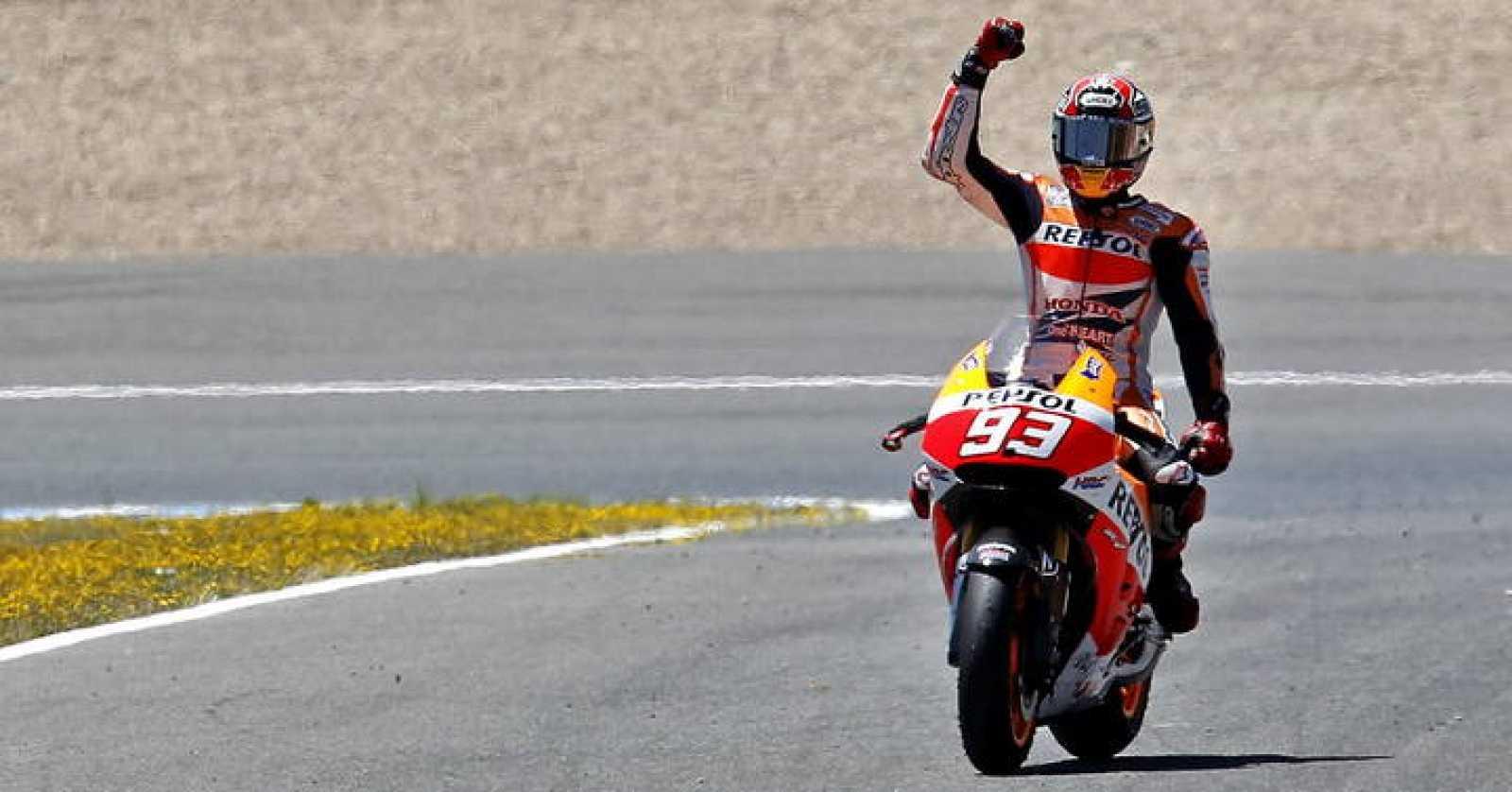 Imagen del piloto español de MotoGP Marc Márquez tras proclamarse vencedor en el Gran Premio de España.