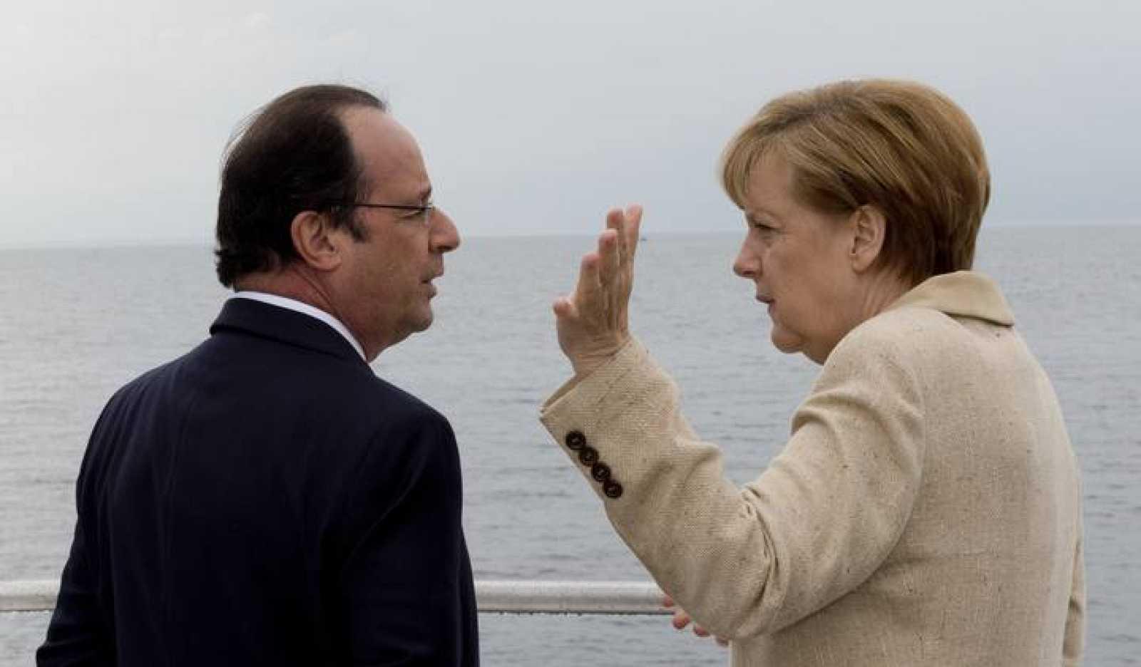 Merkel y Hollande, en un barco cerca de la isla alemana de Ruegen