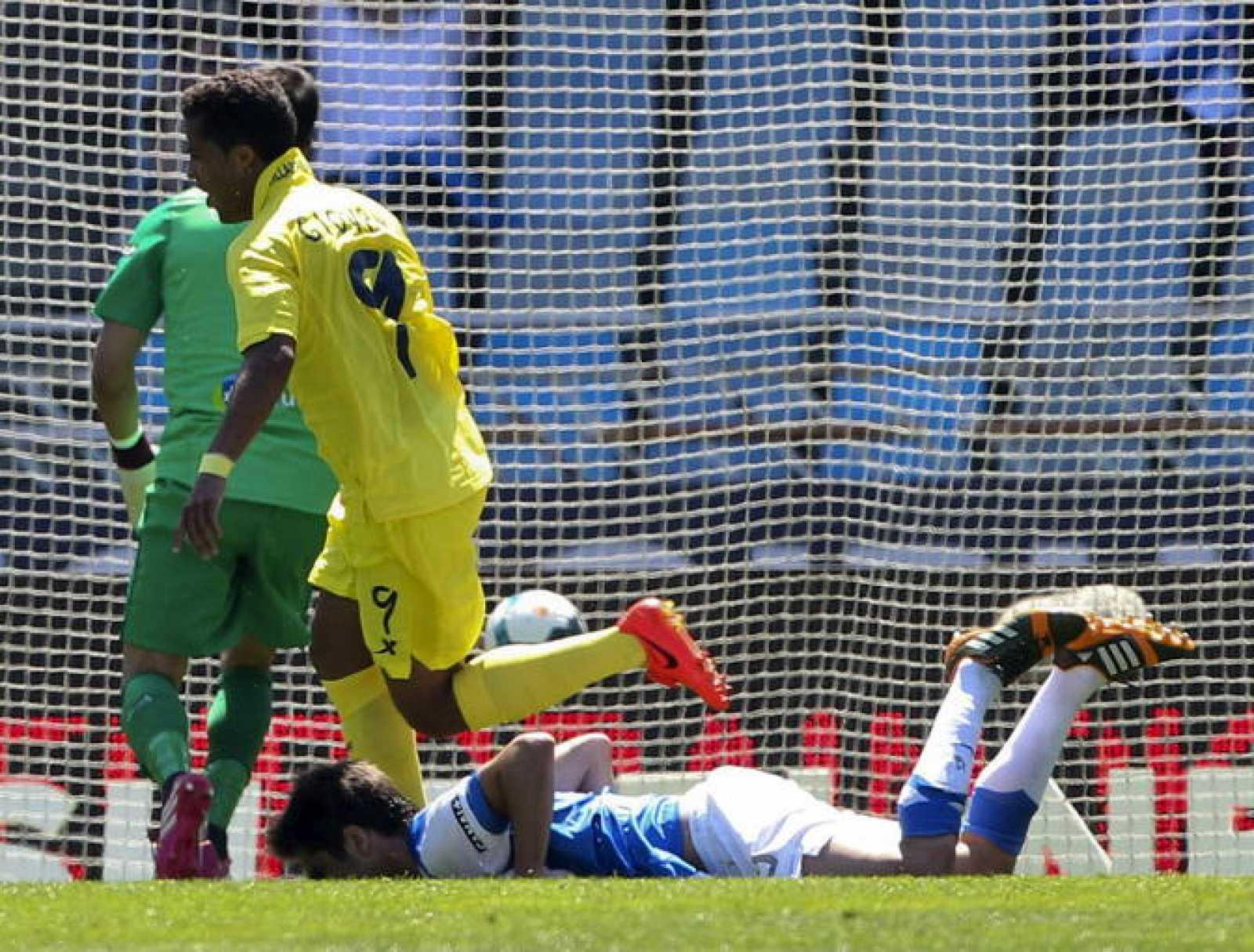 Giovani (9), del Villarreal, celebra el gol conseguido ante la Real Sociedad