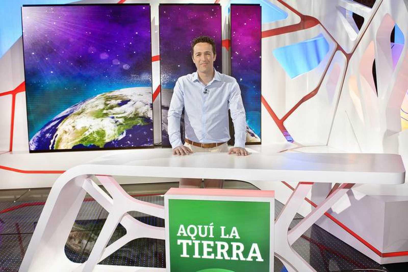 """Jacob Petrus director y presentador de """"Aquí la Tierra"""""""