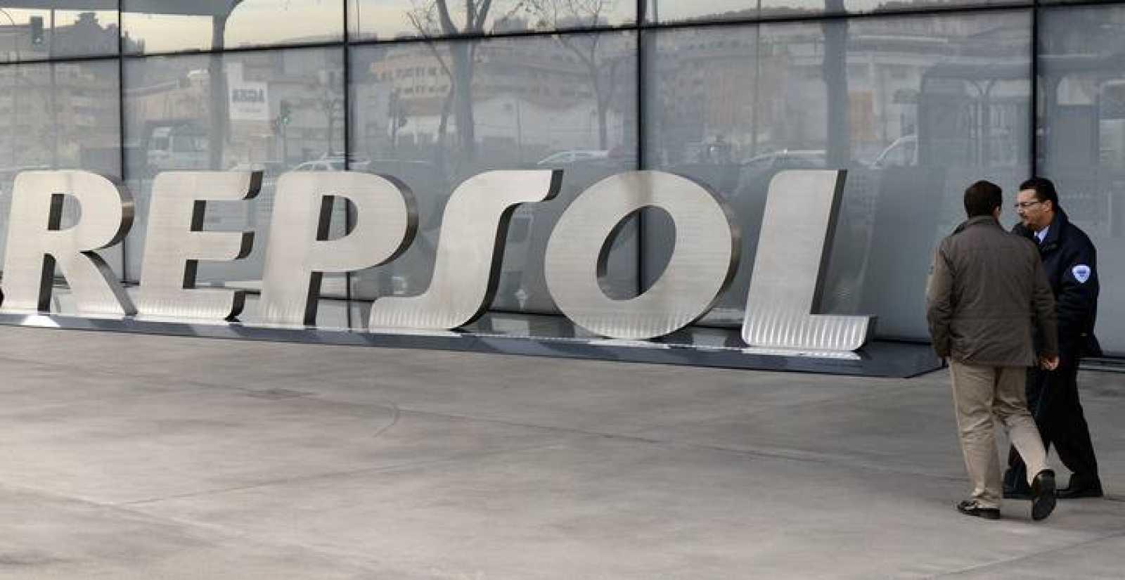 La entrada a la sede de Repsol en Madrid