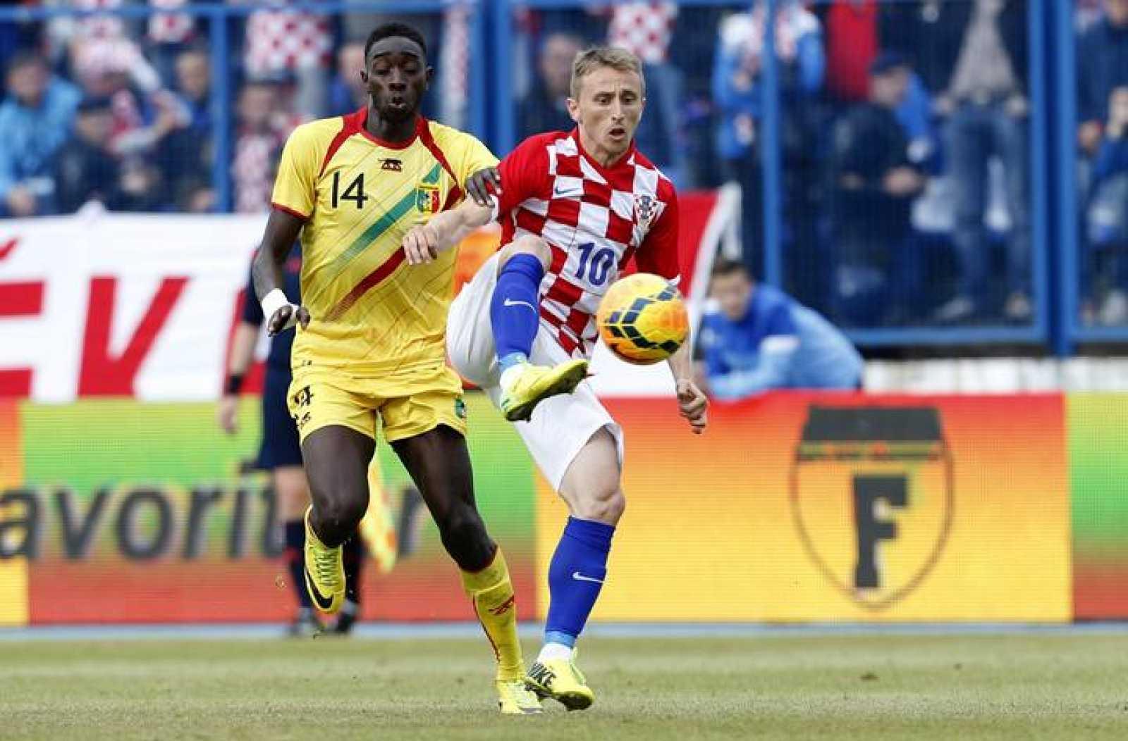 Luka Modric, principal estrella de Croacia, en un amistoso de preparación