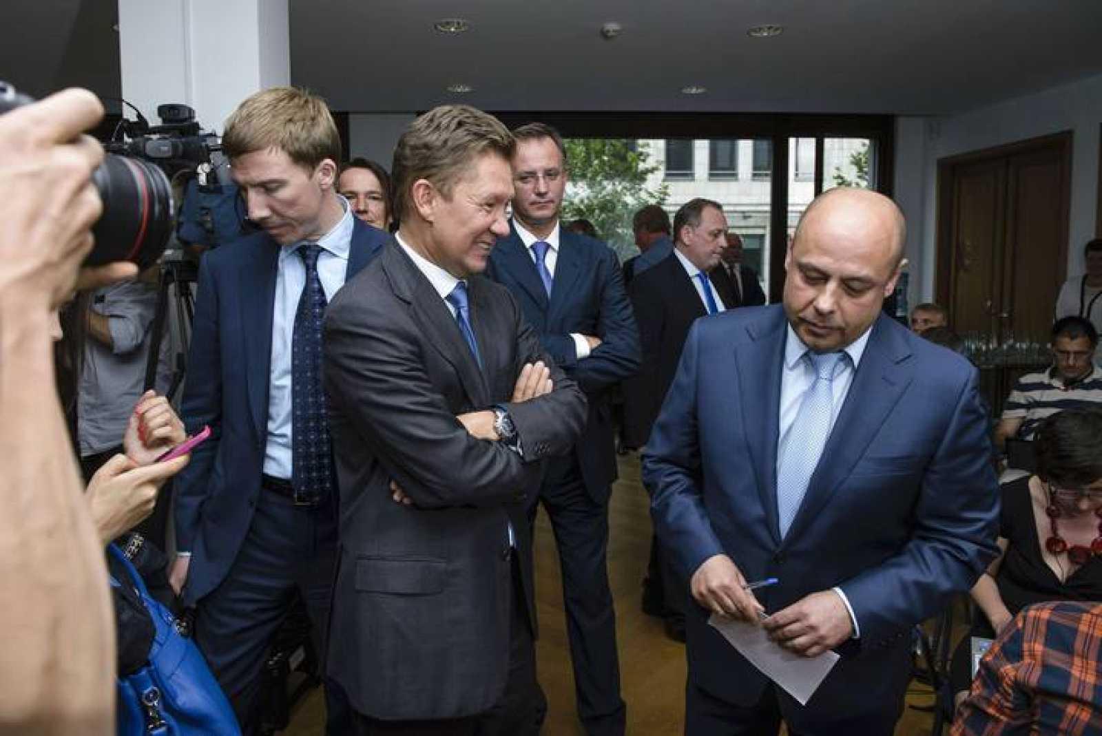 Rusia y Ucrania negocian 'in extremis' una solución al conflicto del gas