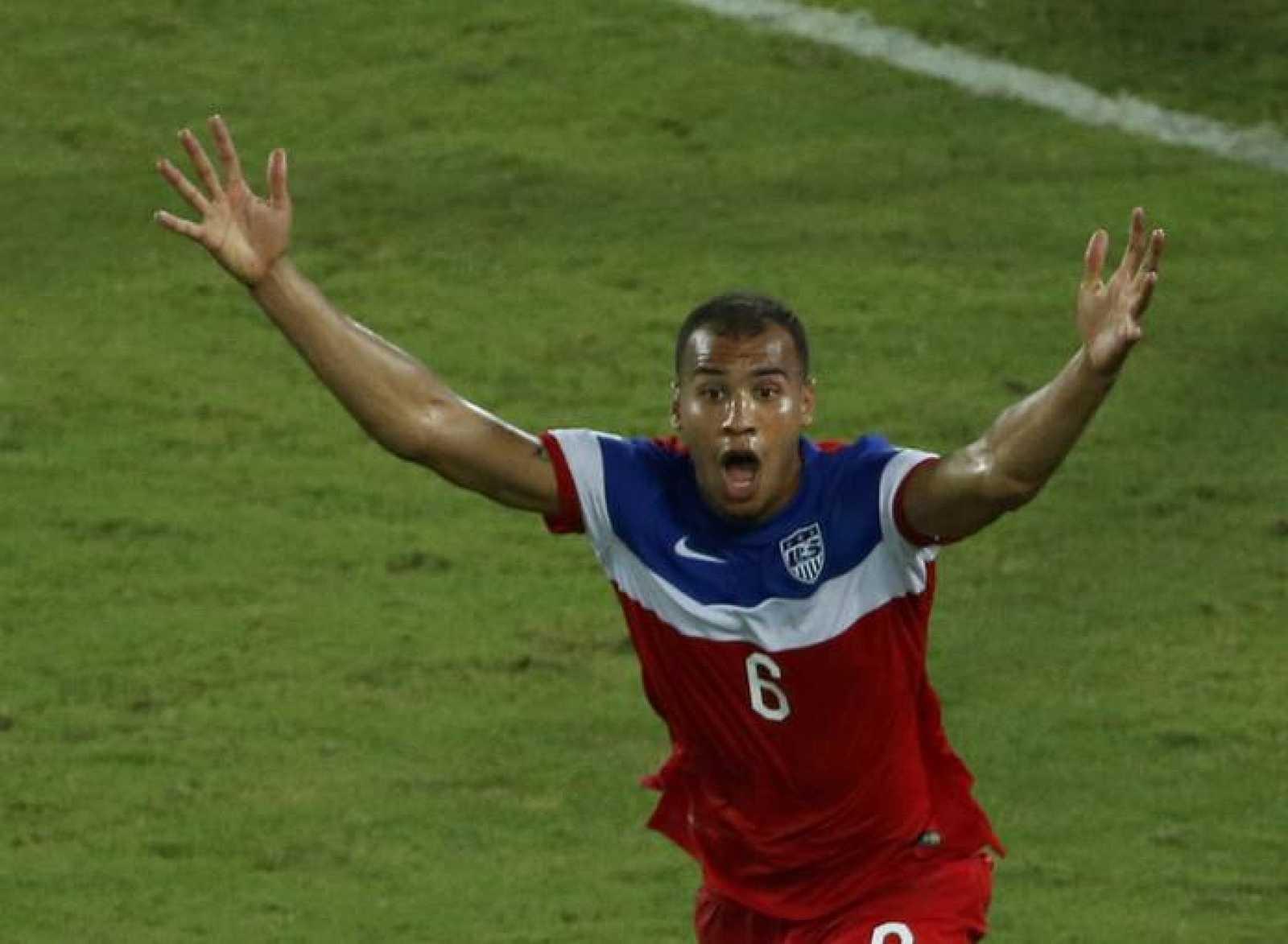 El jugador John Brooks, de la selección de Estados Unidos, celebra el gol de la victoria ante Ghana.