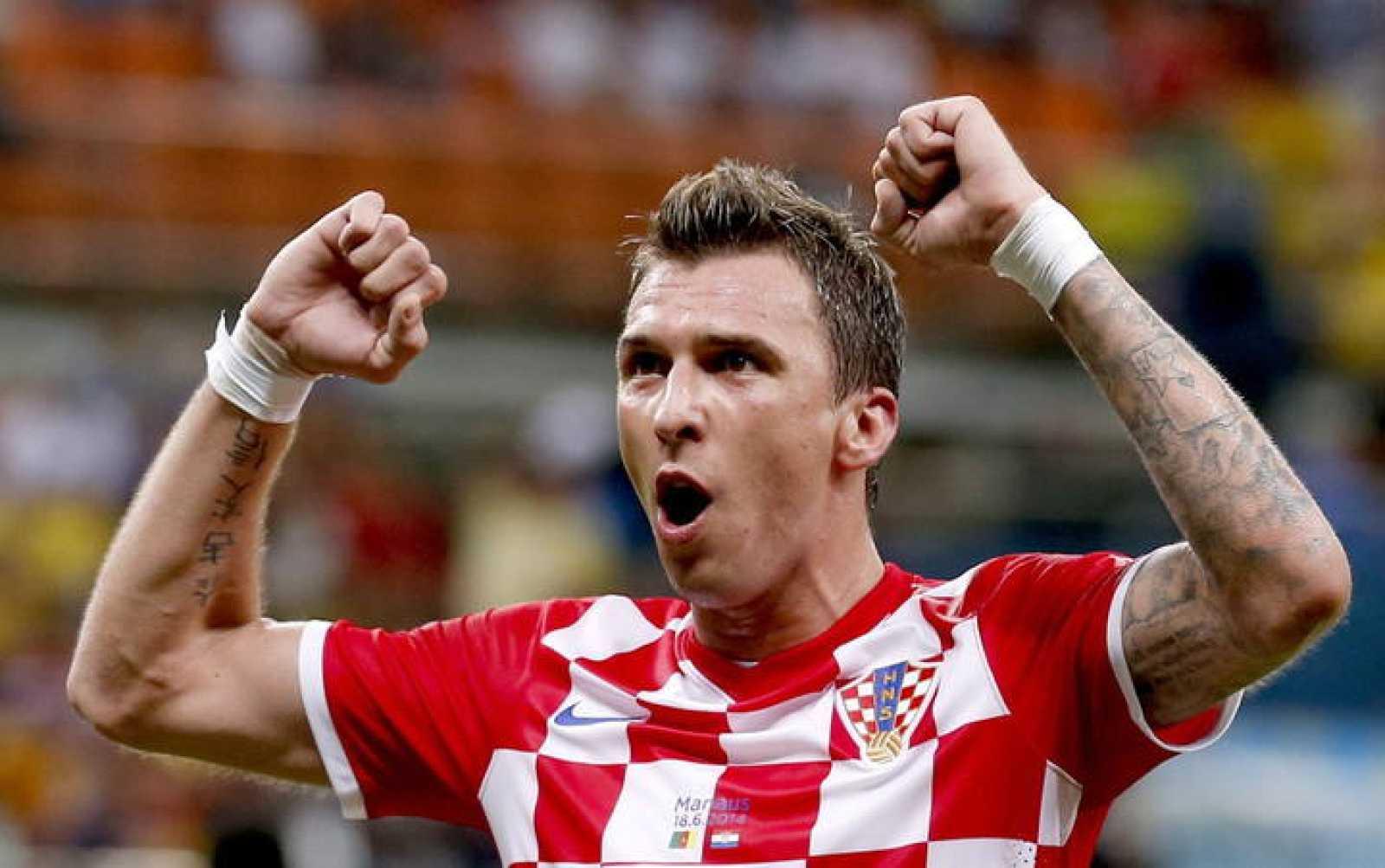 El croata Mario Mandzukic of Croatia celebra el 0 - 4 ante Camerún en el Mundial de Brasil 2014.