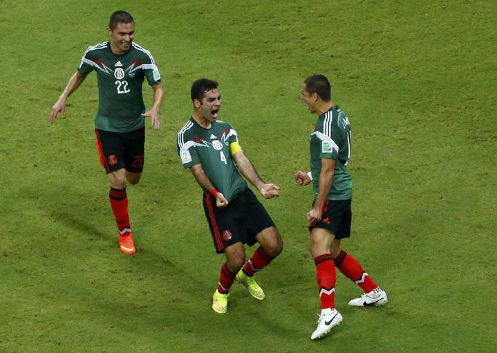 Márquez celebra el primer gol de México a Croacia.