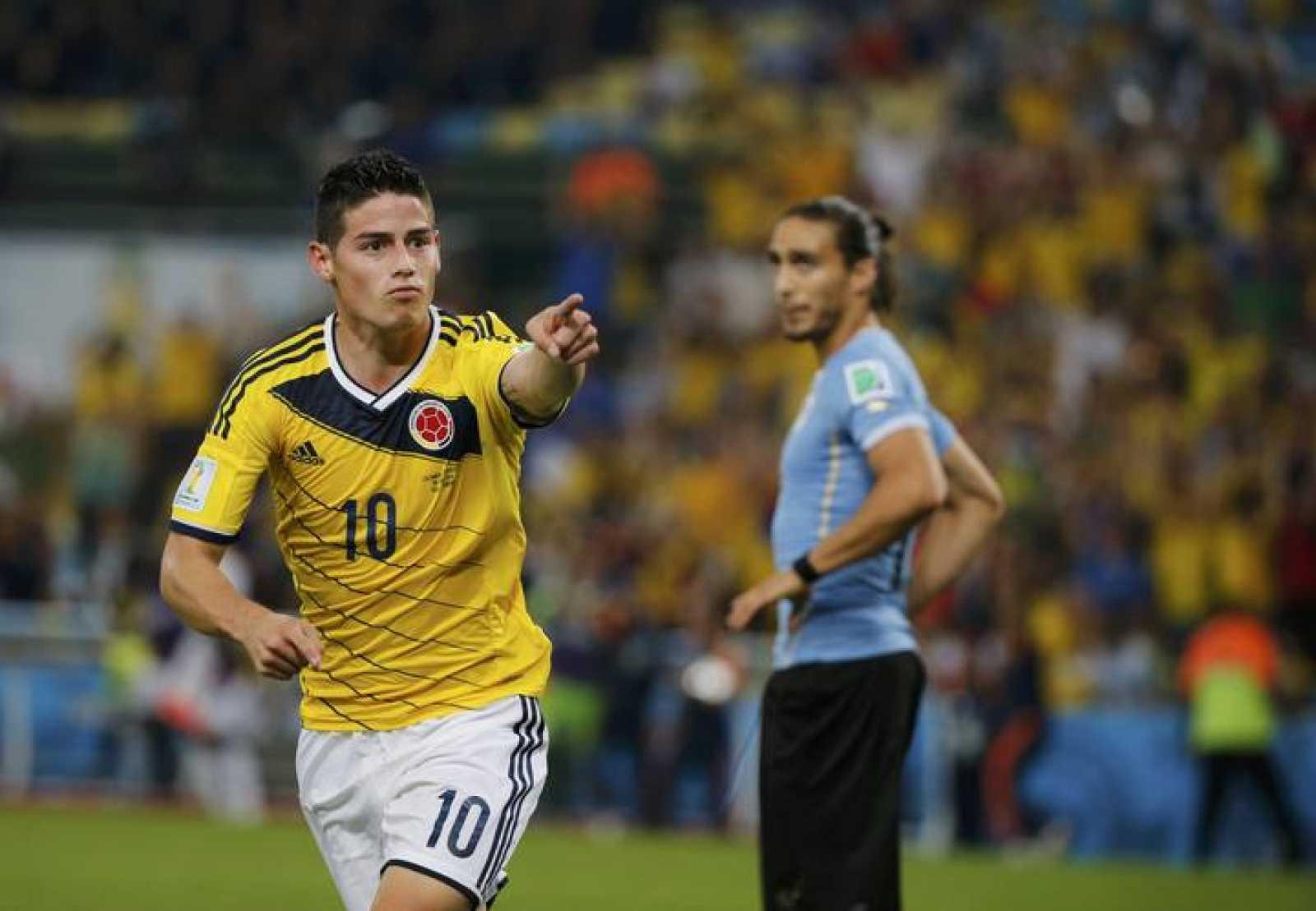 El colombiano James Rodríguez celebra el segundo gol ante Uruguay.