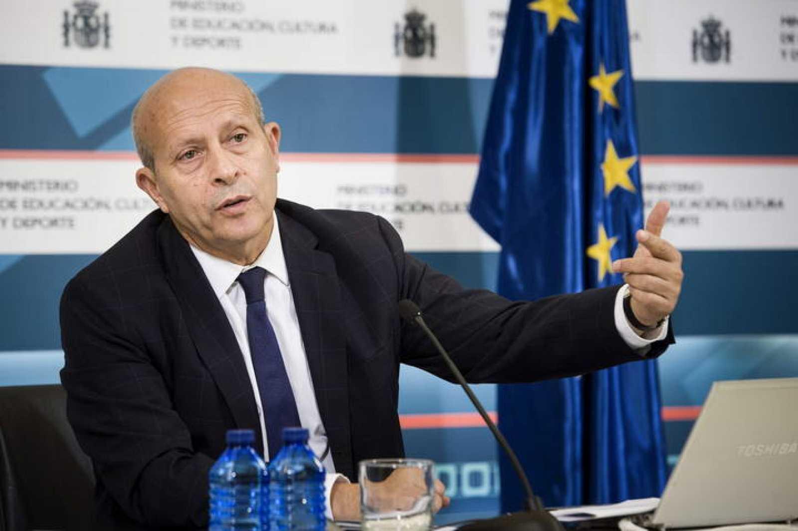 El ministro de Educación, Cultura y Deporte, José Ignacio Wert, presentando el informe del curso escolar.