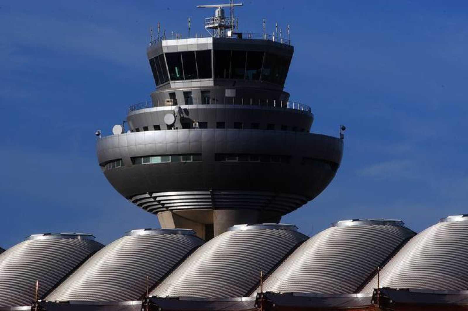 Vista de las plantas superiores de la torre de control del Aeropuerto Adolfo Suárez Madrid-Barajas