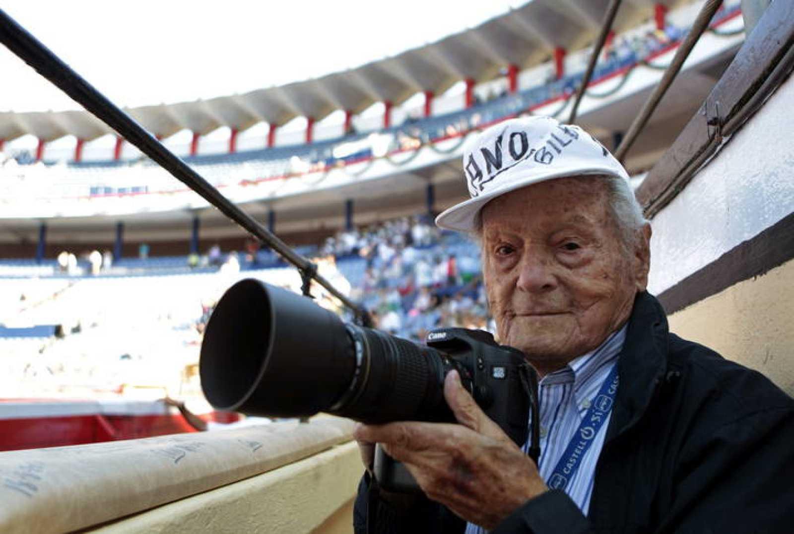 "EL FOTÓGRAFO TAURINO FRANCISCO CANO ""CANITO"", PREMIO NACIONAL DE TAUROMAQUIA"
