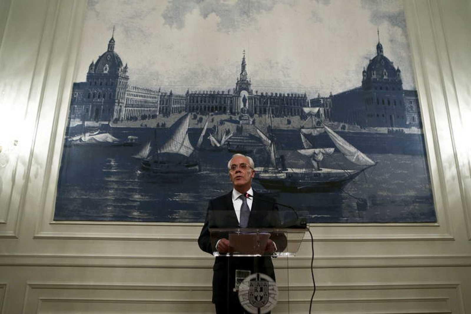 El ministro de Interior de Portugal, Miguel Macedo, durante el anuncio de su dimisión.