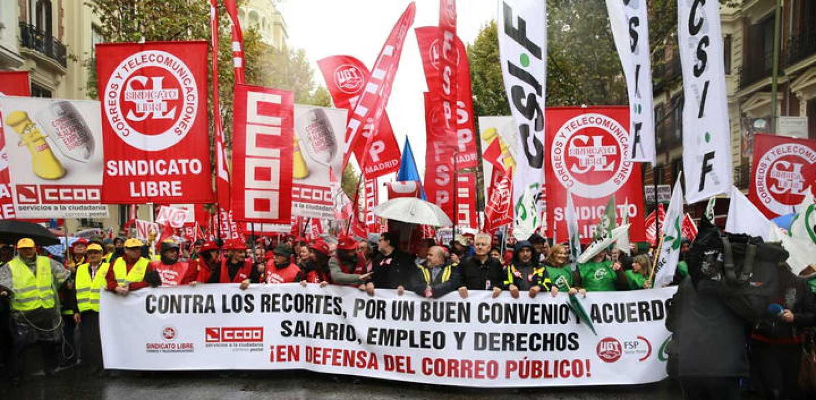 Manifestación de trabajadores de Correos en Madrid