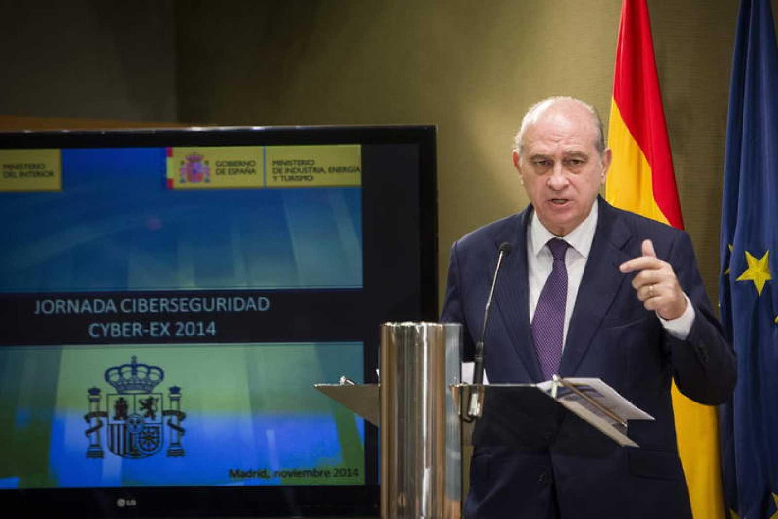Los fiscales ven inconstitucionales las escuchas for Escuchas ministro del interior