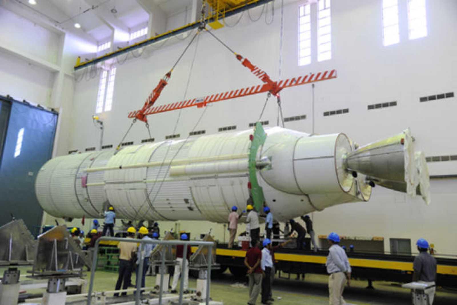 El módulo de líquido L110 preparándose en el Centro Espacial.