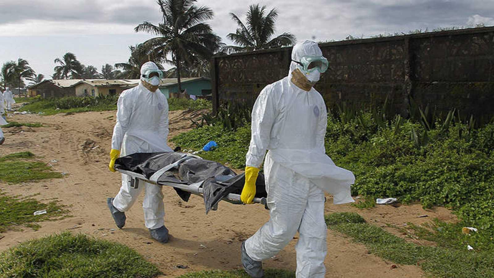 El ébola se expande en las capitales de los tres países más afectados