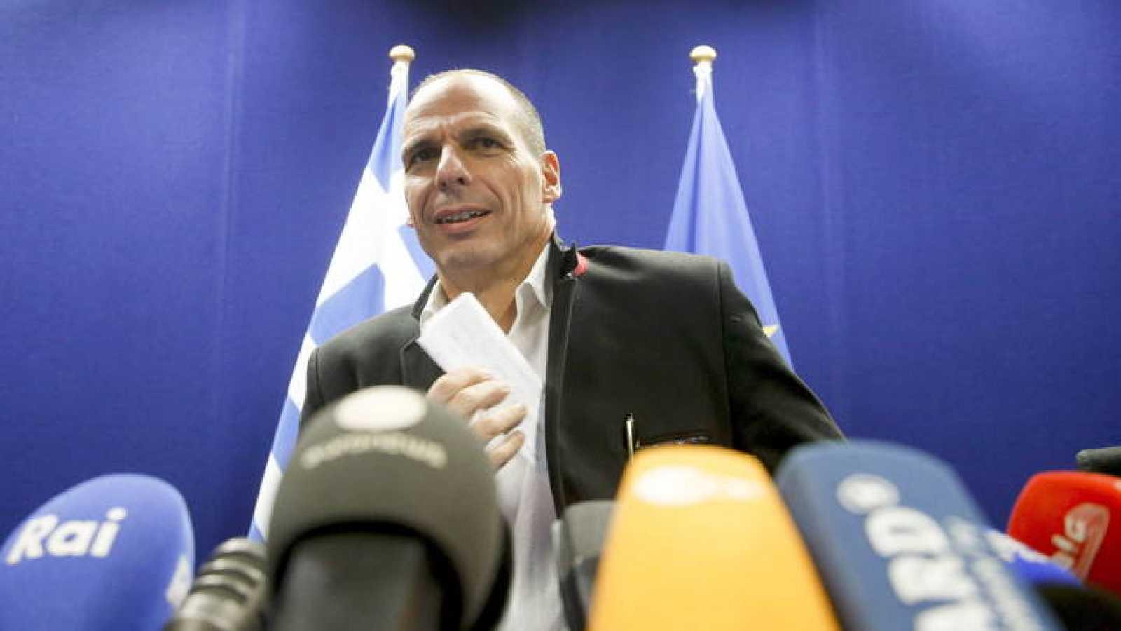 El ministro de Finanzas griego, Yanis Varufakis, al inicio de una rueda de prensa