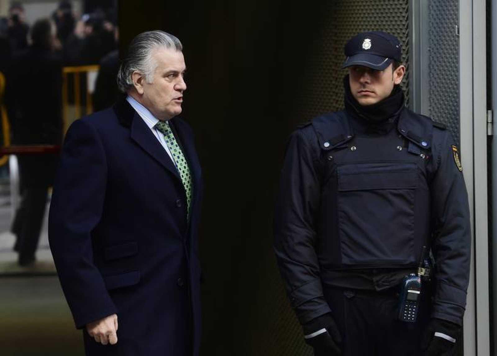El extesorero del PP Luis Bárcenas saliendo de la Audiencia en una foto de archivo