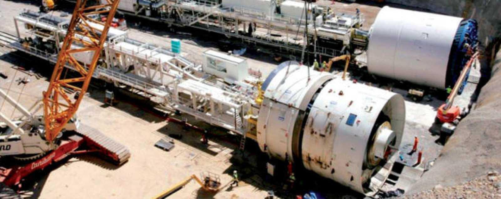 Imagen de dos de las tuneladoras que se usarán en las obras de los túneles en Noruega
