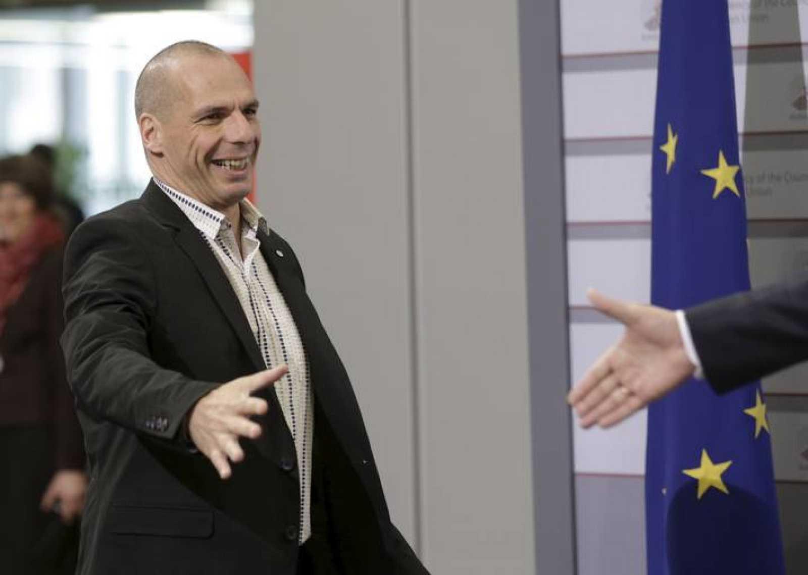 El ministro de Finanzas de Grecia, Yanis Varufakis, a su llegada al Ecofin de Riga