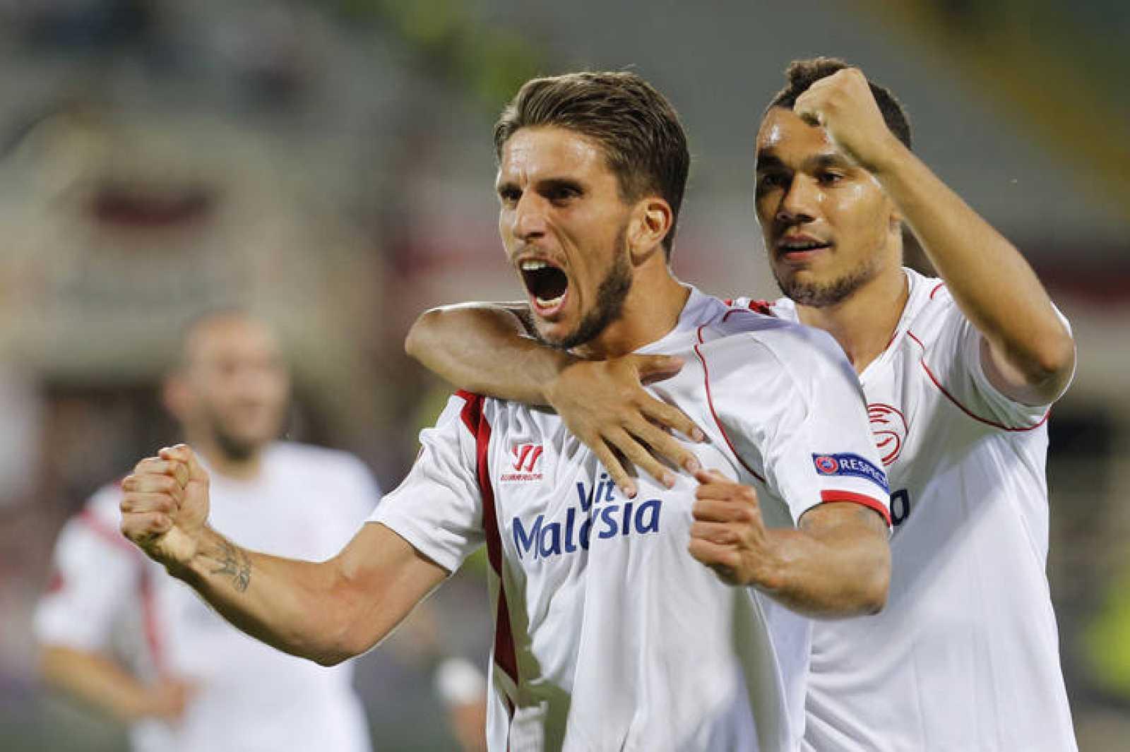 Carriço celebra el segundo gol del Sevilla en Florencia.