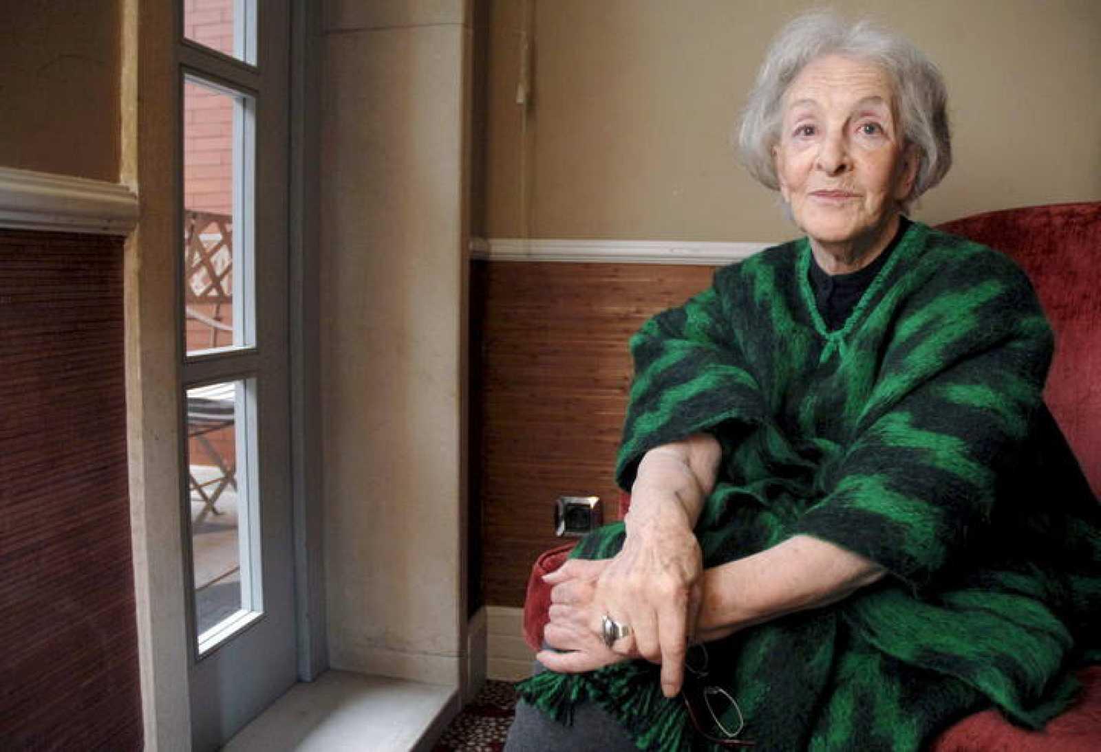 Fotografía de archivo de la poeta uruguaya Ida Vitale (07/11/08).