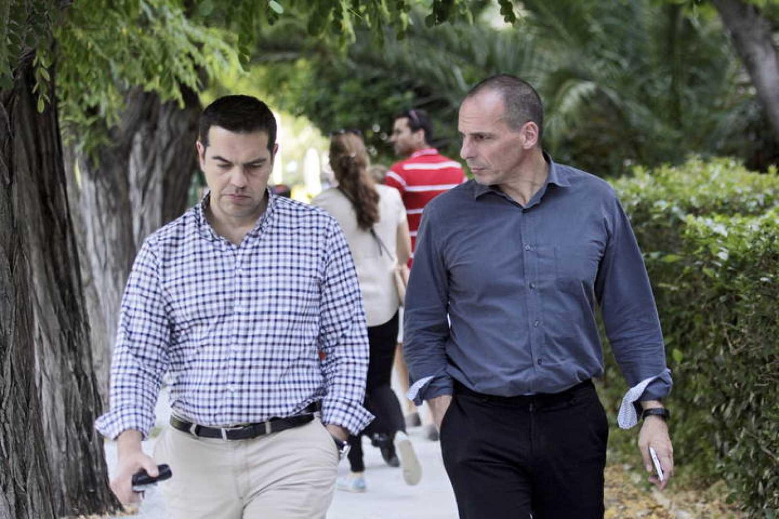 El primer ministro griego, Alexis Tsipras, y el ministro de Finanzas, Yanis Varufakis, en una imagen de archivo.