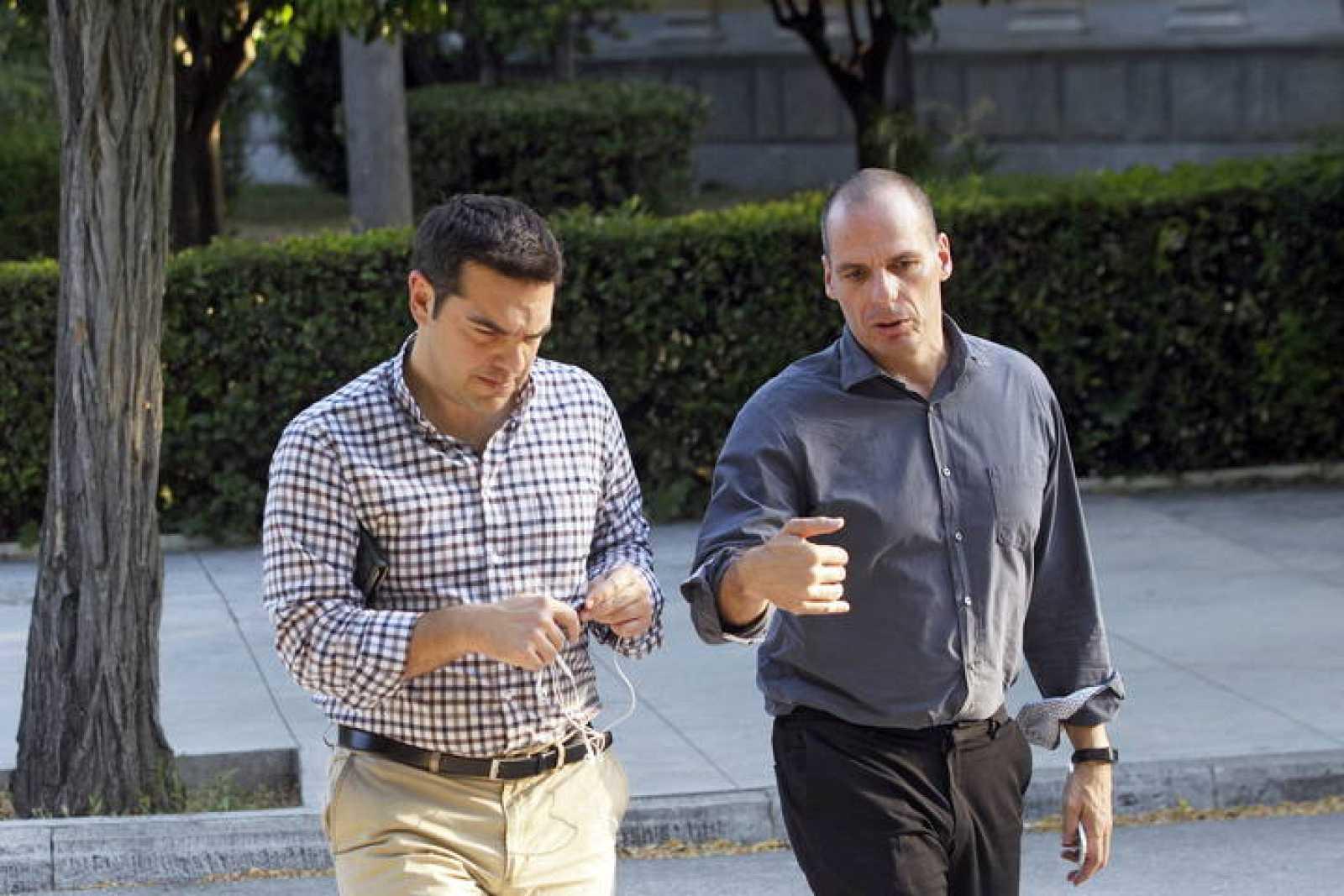 El primer ministro griego, Alexis Tsipras, y su ministro de Finanzas, Yanis Varufakis