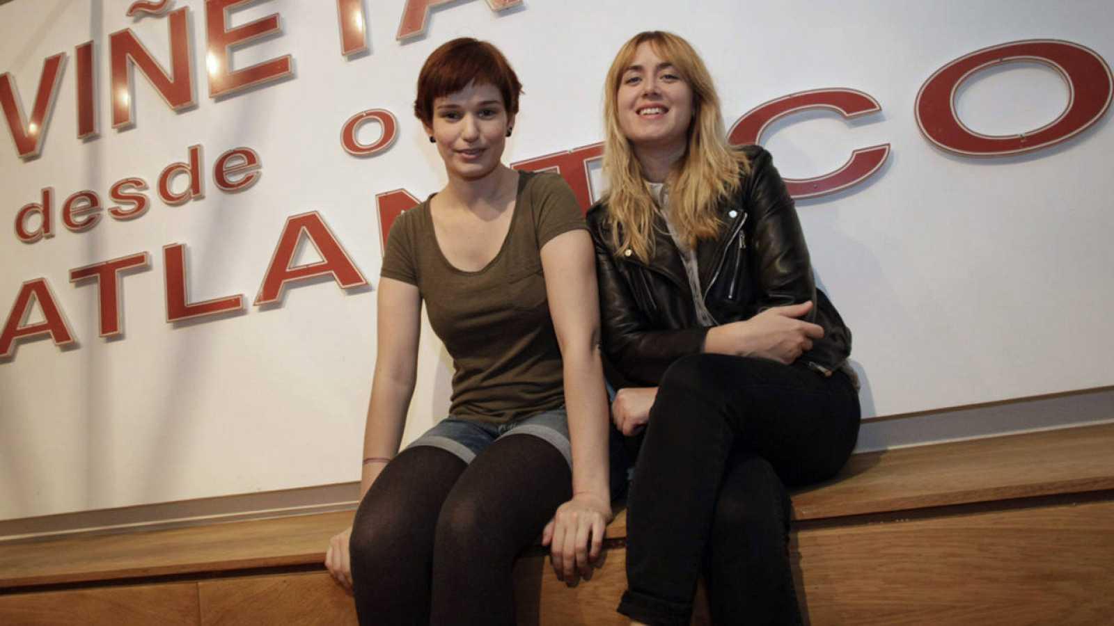 """Raquel Córcoles (d), autora de """"Moderna de Pueblo"""", acompañada por Mai Egurza (i), que trabaja en la actualidad en un proyecto con Benoît Drousie """"Zidrou"""""""