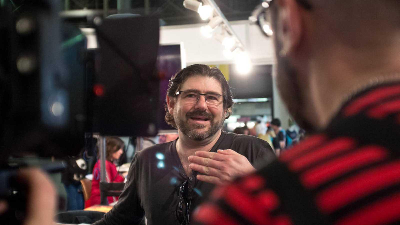 Juanjo Guarnido durante el rodaje de 'Vivir para dibujar, dibujar para vivir'