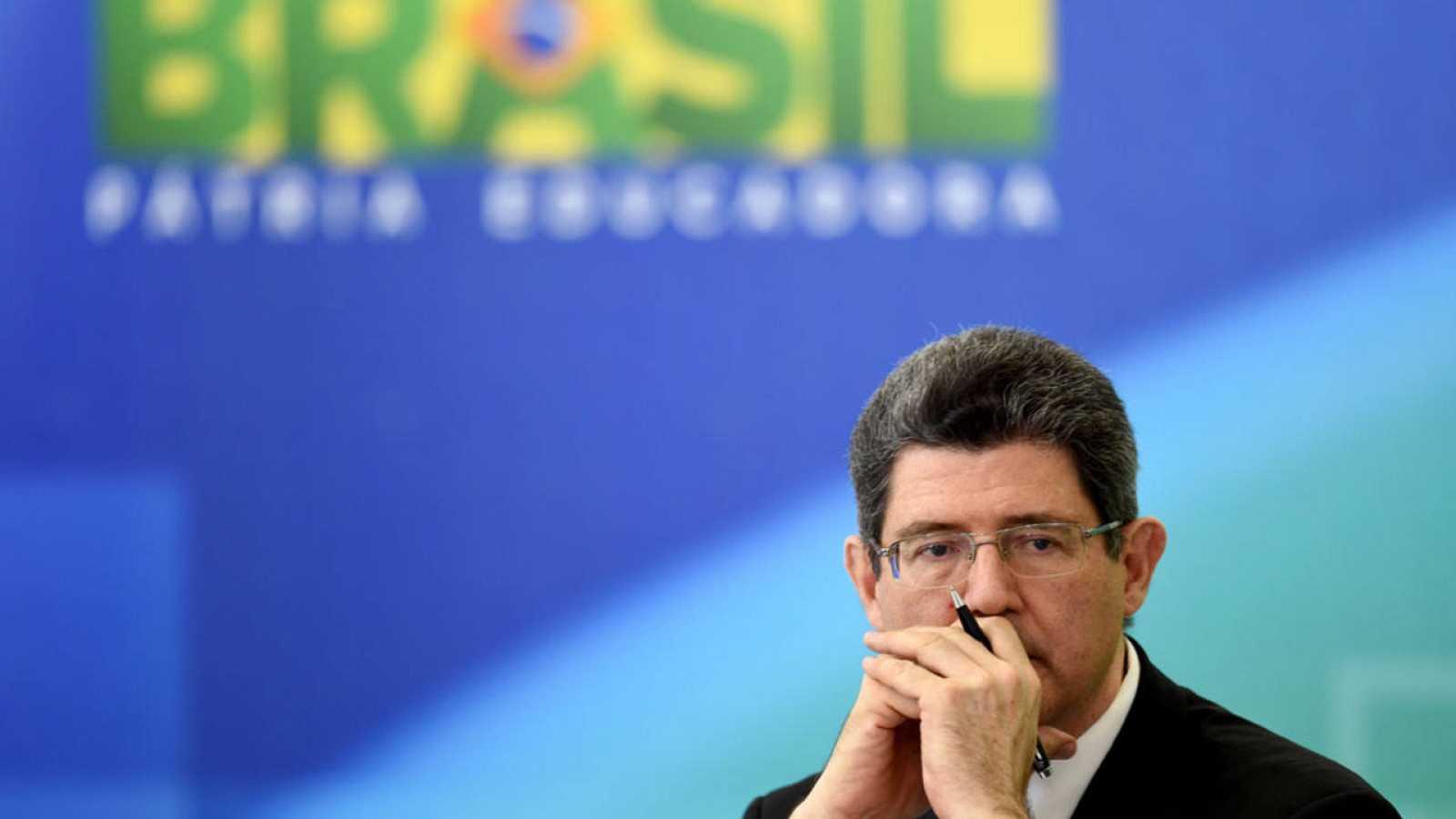 El ministro de Hacienda de Brasil, Joaquim Levy, durante la rueda de prensa en la que ha explicado el plan de austeridad