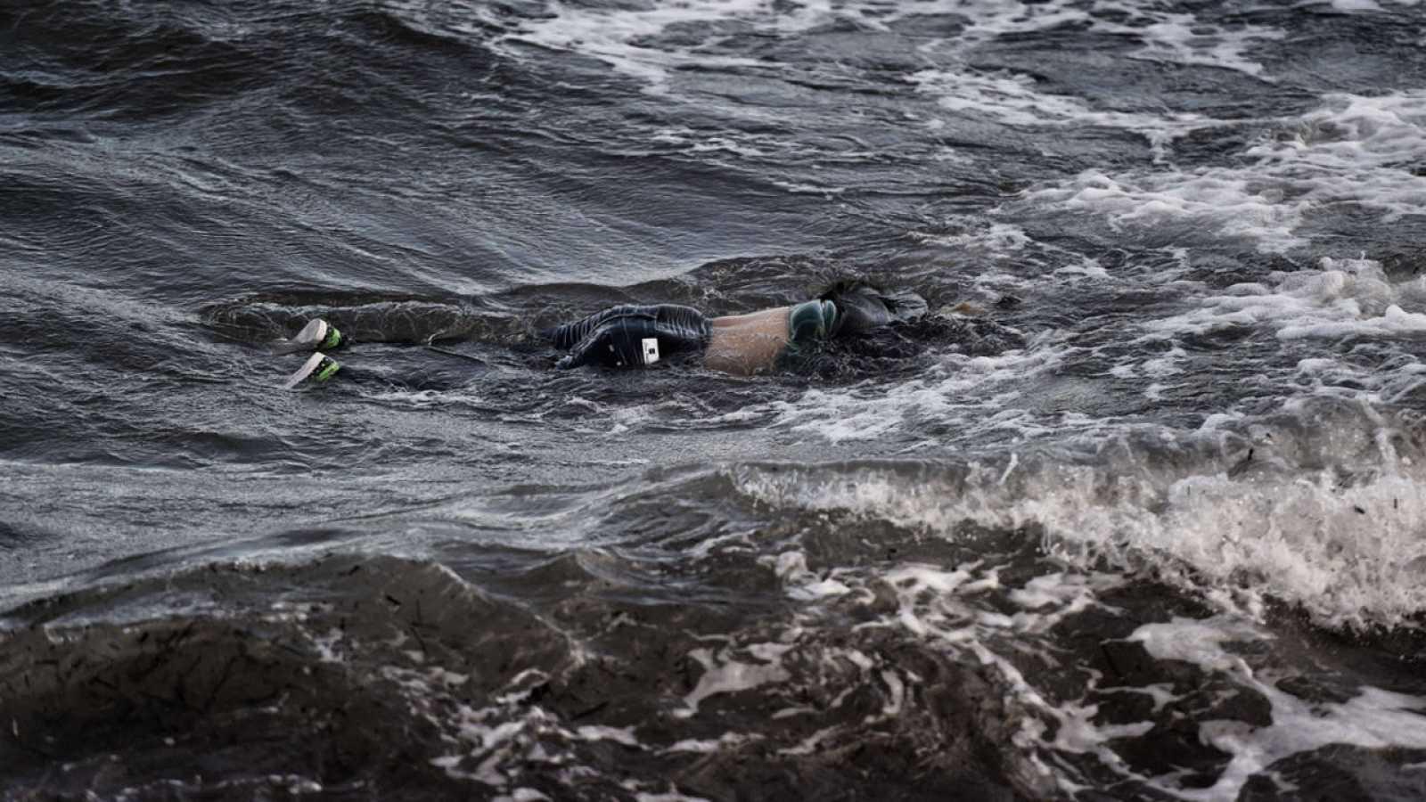 Uno de los once fallecidos en un naufragio cerca de la isla de Samos, en Grecia