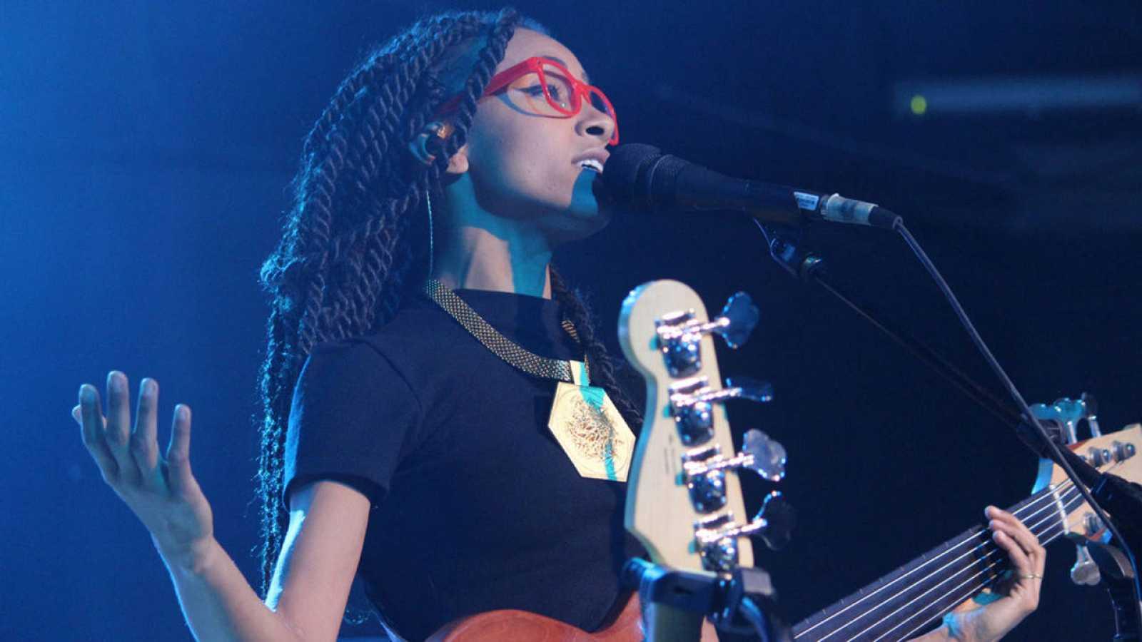 La cantante estadounidense Esperanza Spalding ha actuado este lunes en el Festival Internacional de Jazz de Madrid.
