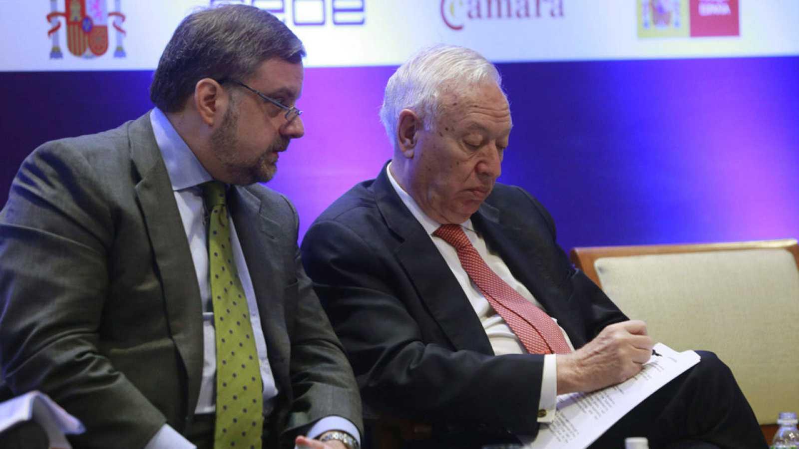 El embajador en India, Gustavo de Arístegui, con el ministro de Exteriores, José Manuel García-Margallo
