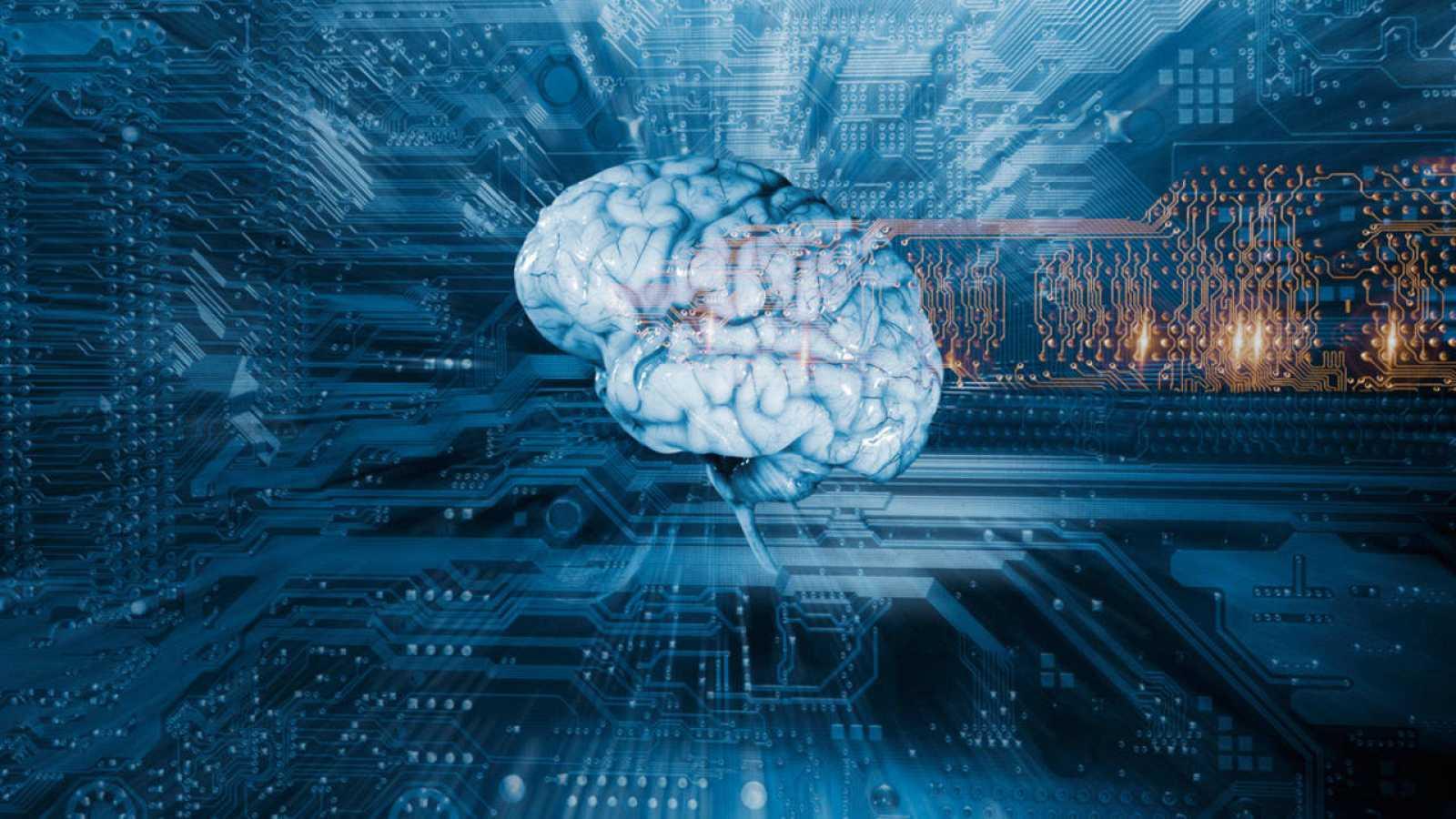 El ordenador se basa en un algoritmo que intenta emular la capacidad humana a la hora de generalizar conceptos.