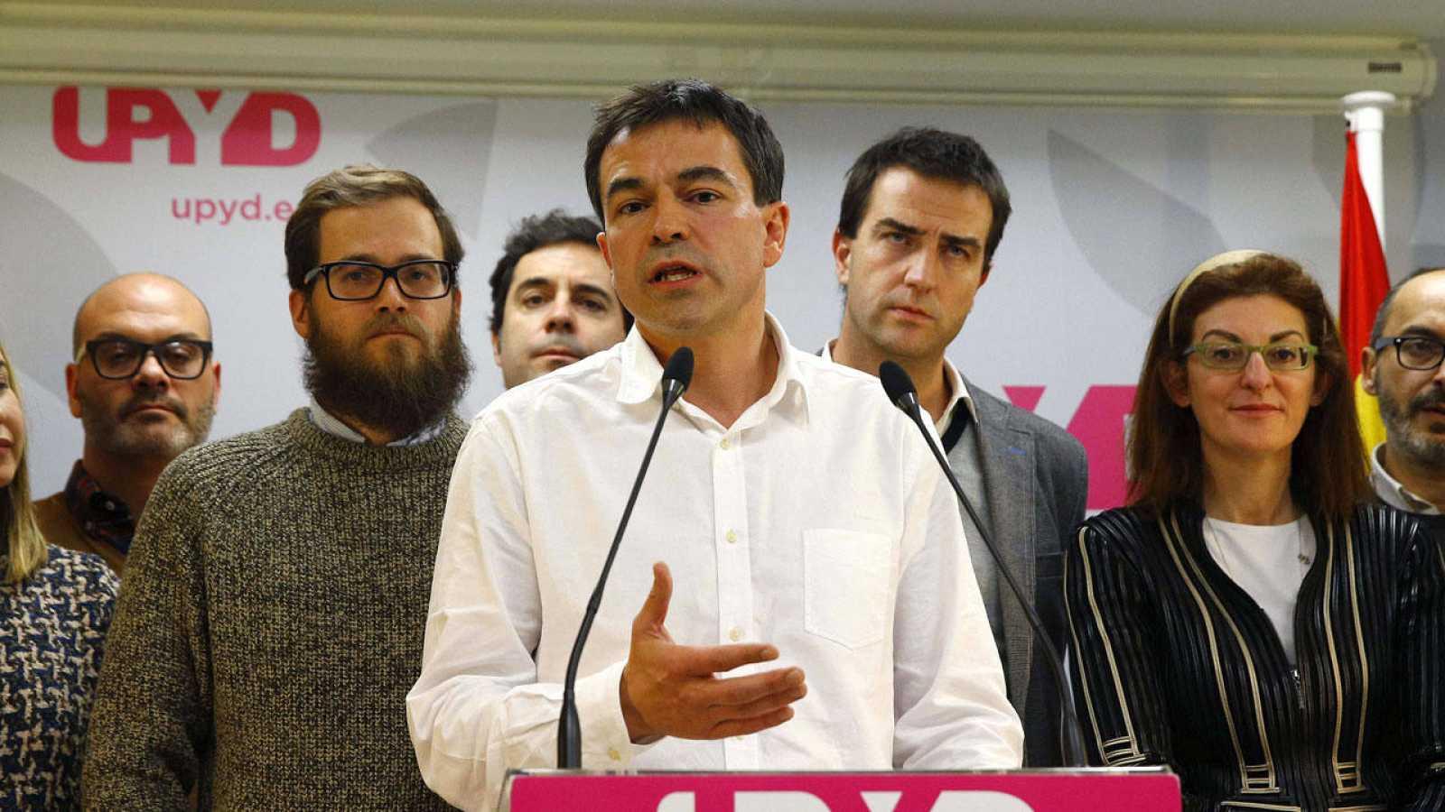 El candidato de UPyD, Andrés Herzog, en la rueda de prensa tras el consejo de dirección del partido.