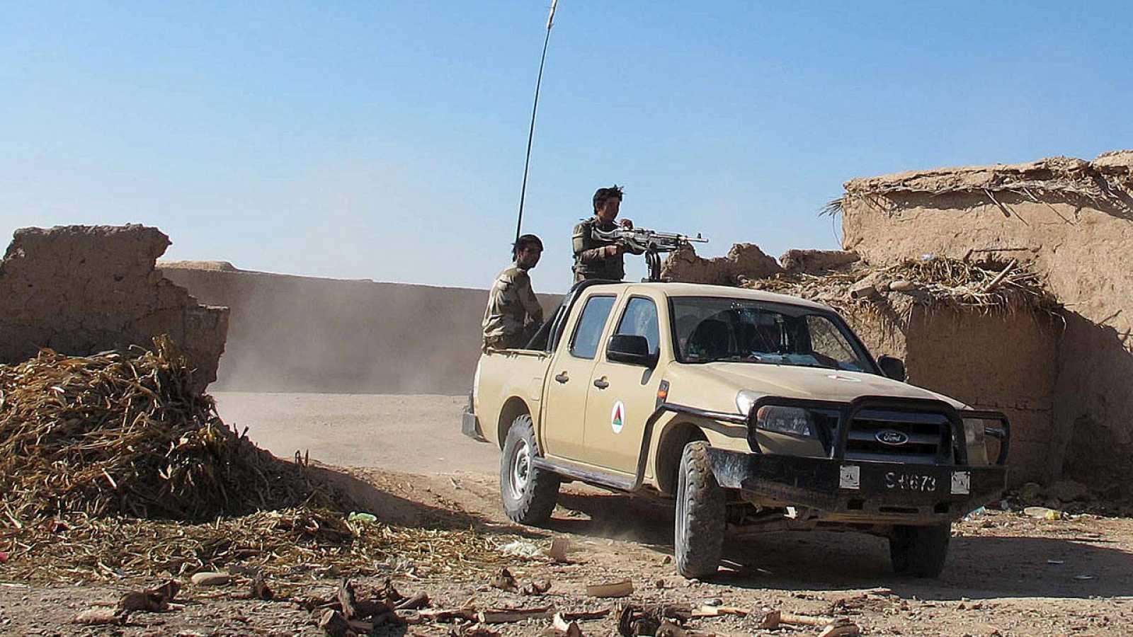 Tropas afganas defienden la provincia de Helmand de la ofensiva talibán.