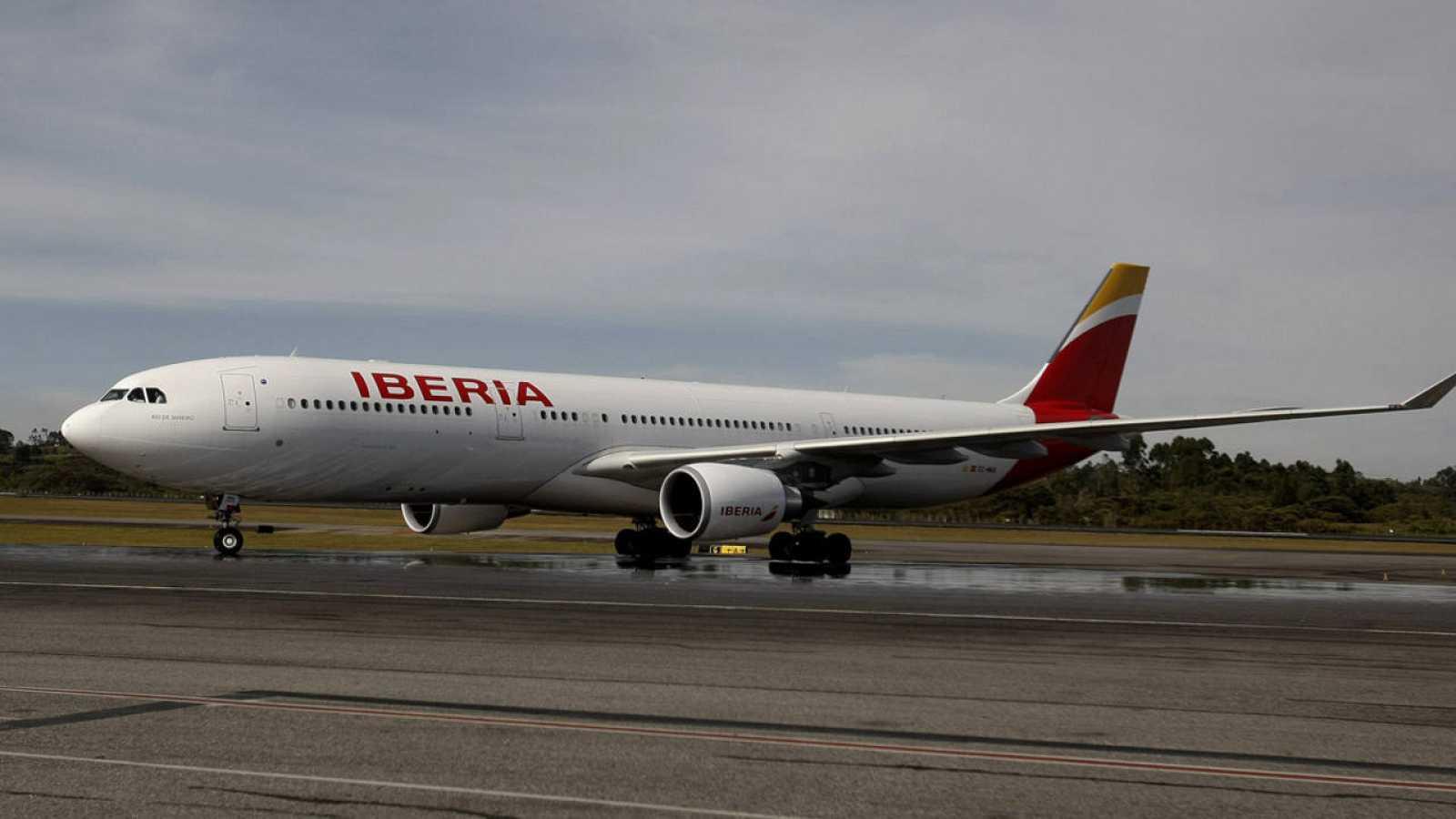 Un Airbus 330 de Iberia en el aeropuerto internacional José María Córdova de Rionegro (Colombia)