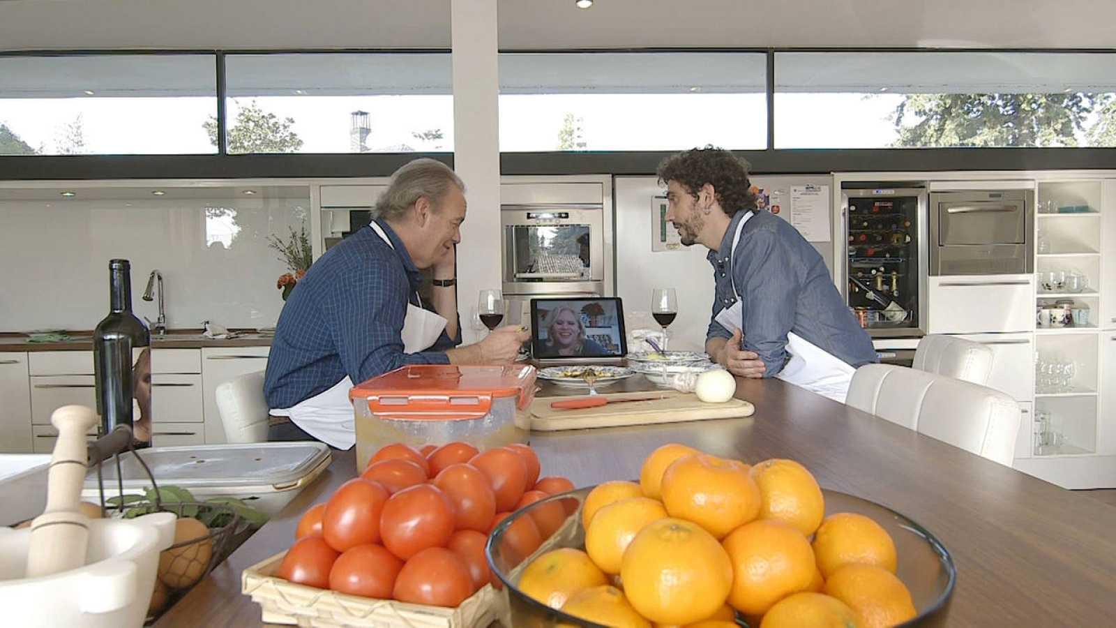 Paco León y Bertín Osborne seguirán en la cocina los consejos de la madre del invitado, Carmina Barrios