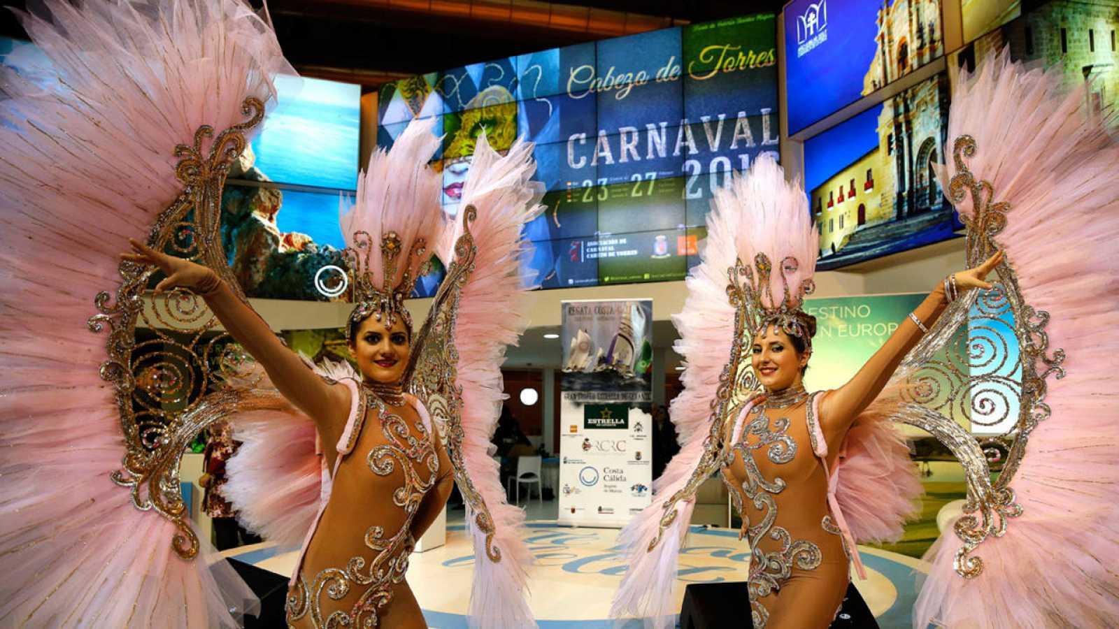 Promoción del carnaval de Cabezo de Torres en el stand de Murcia
