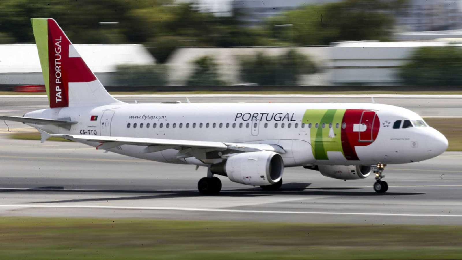 Un avión de la aerolínea TAP (Transportes Aéreos Portugueses)
