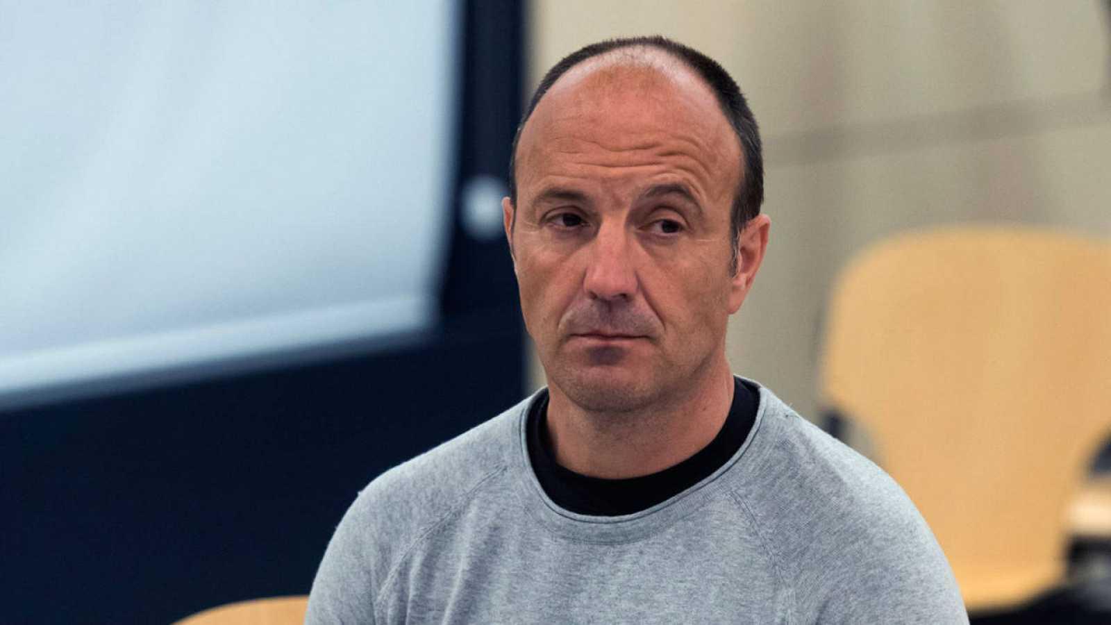 El presunto etarra Tomás Madina alias Basurde durante el juicio en el que se le acusa de planear el asesinato de Patxi López