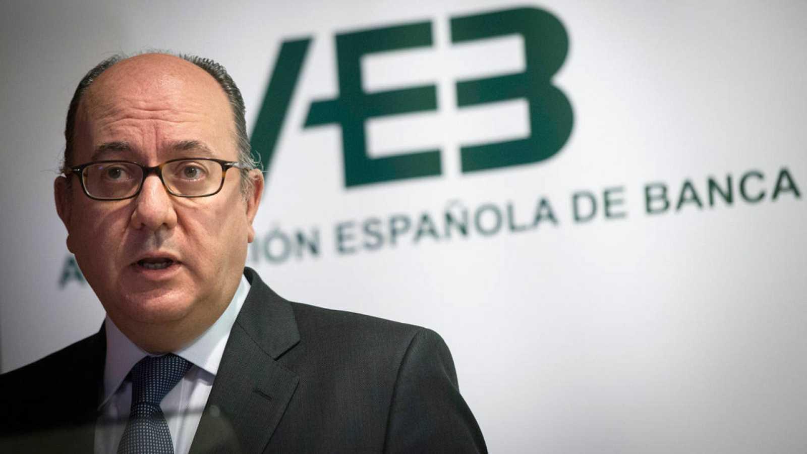 El presidente de la AEB, José María Roldán, durante la presentación de los resultados del sector en 2015