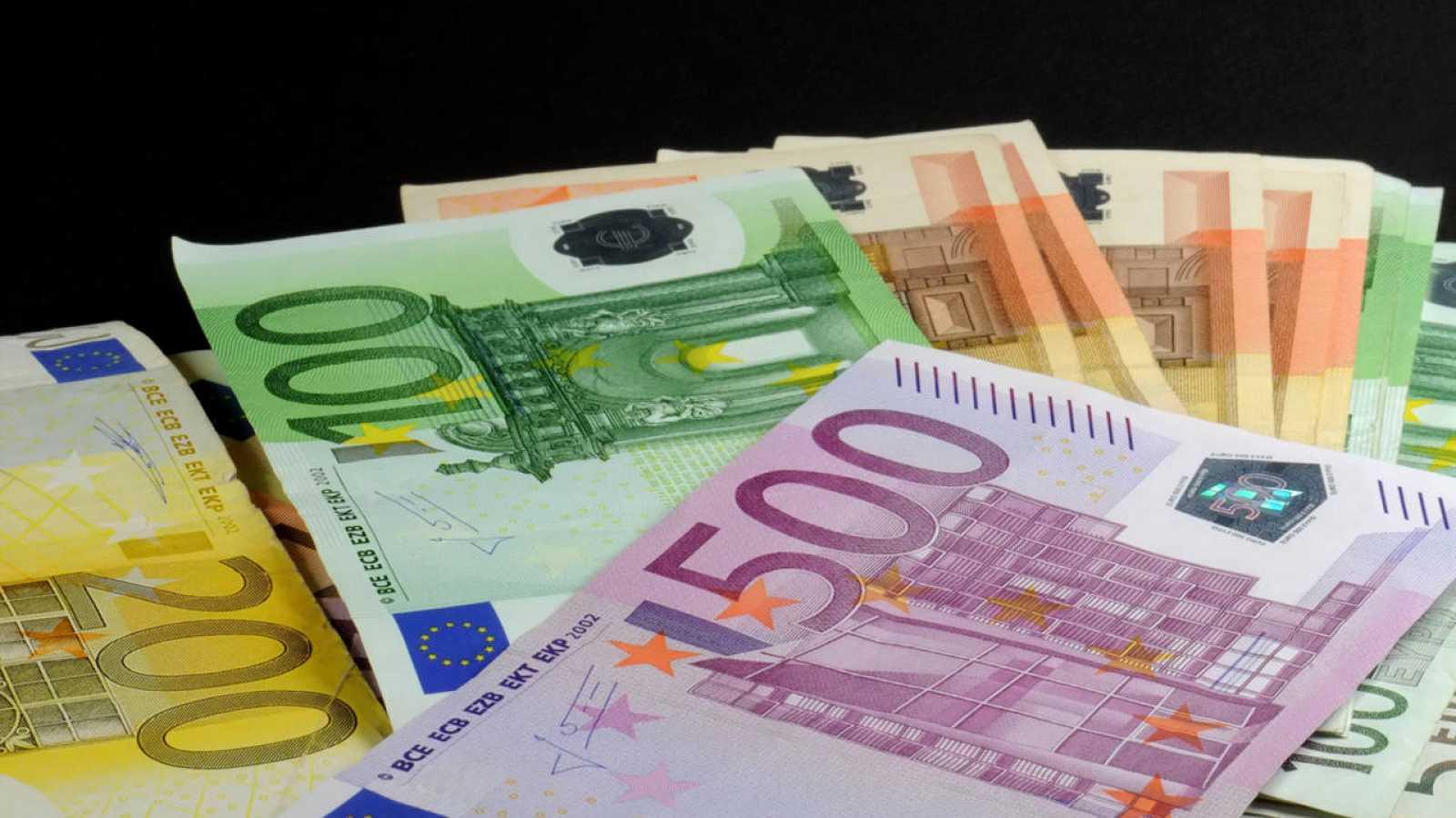 Billetes de euro de distinta denominación