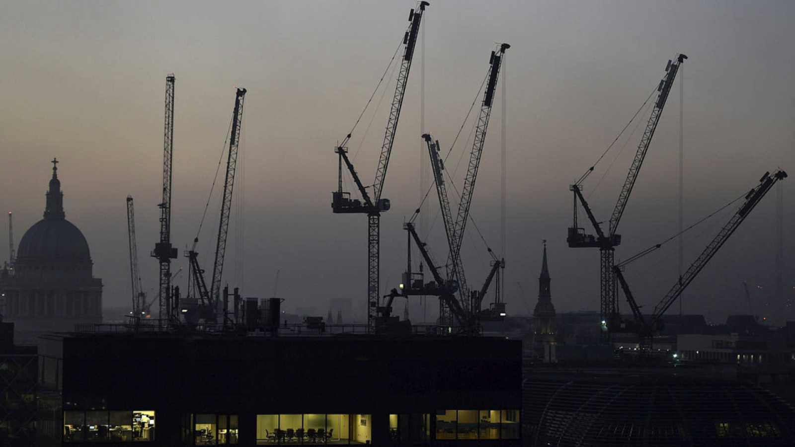 Grúas de construcción en Londres