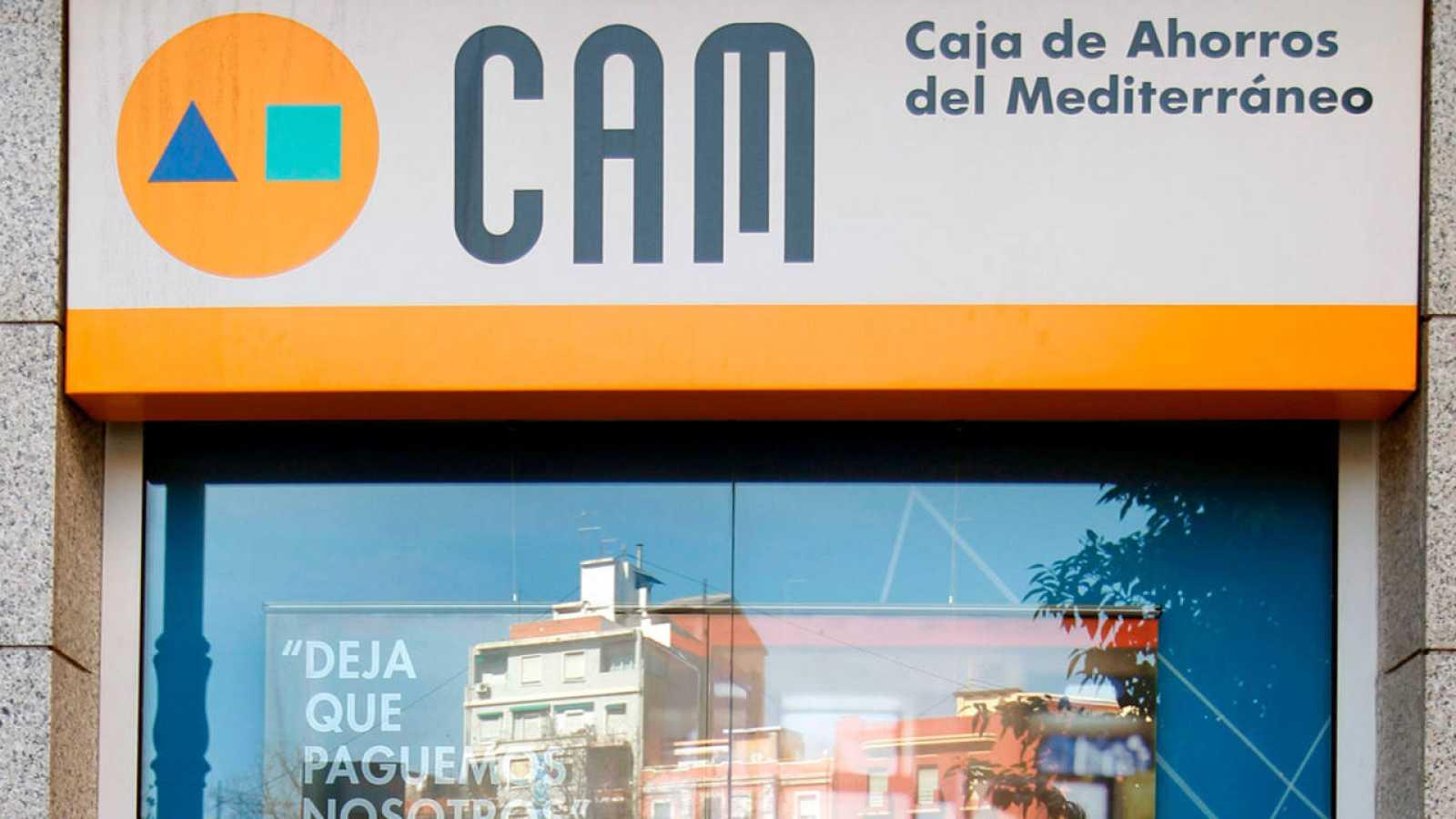 Imagen de archivo de una oficina de la CAM en Valencia