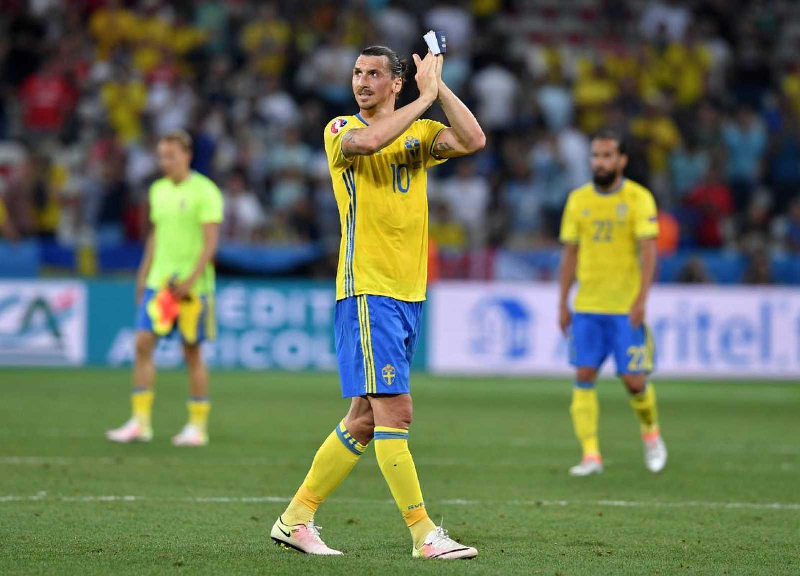 Zlatan Ibrahimovic se despide de la Eurocopa y de la selección sueca tras caer ante Bélgica.