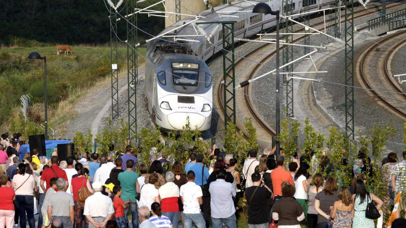 Familiares de las víctimas del tren de Santiago en el primer aniversario del accidente