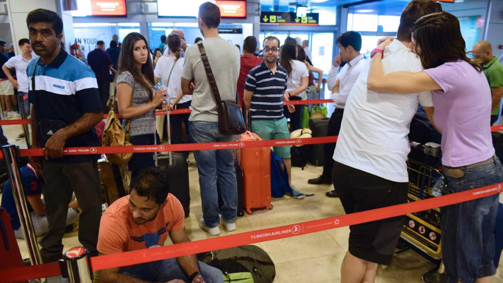 Golpe de Estado en Turquía | Cancelados 20 de los 29 vuelos ...